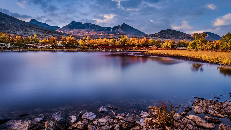 Autumn sunrise by Hans Jørgen Lindeløff