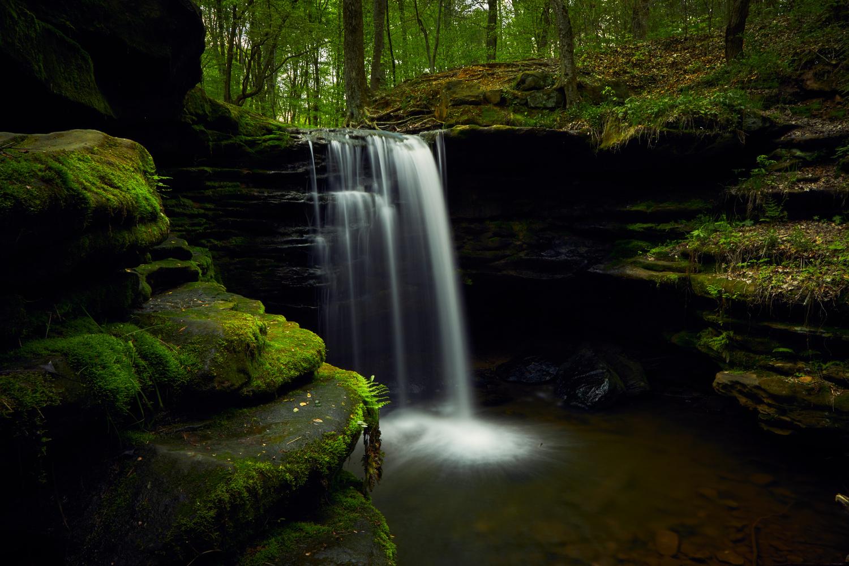 Dundee Falls by benjamin lehman