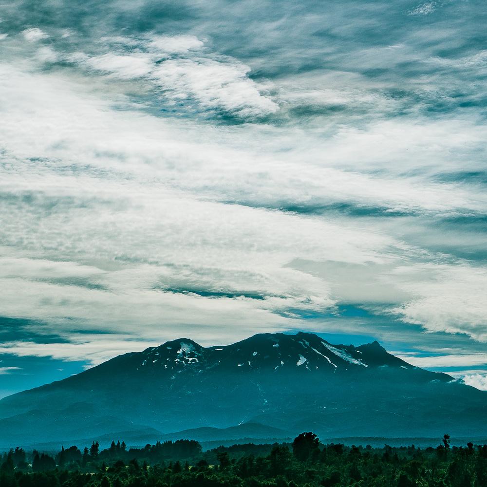 Tongariro volcano by Sebastien Sepheriades
