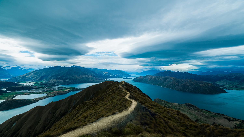 Follow the path by Sebastien Sepheriades