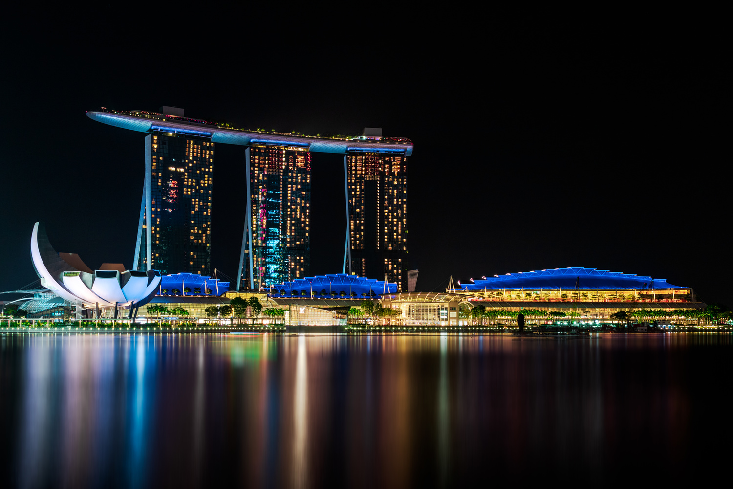 Marina Bay hotel by Mike Huberts