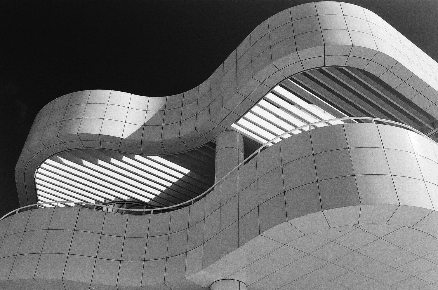 Getty Curves by Evan Smith