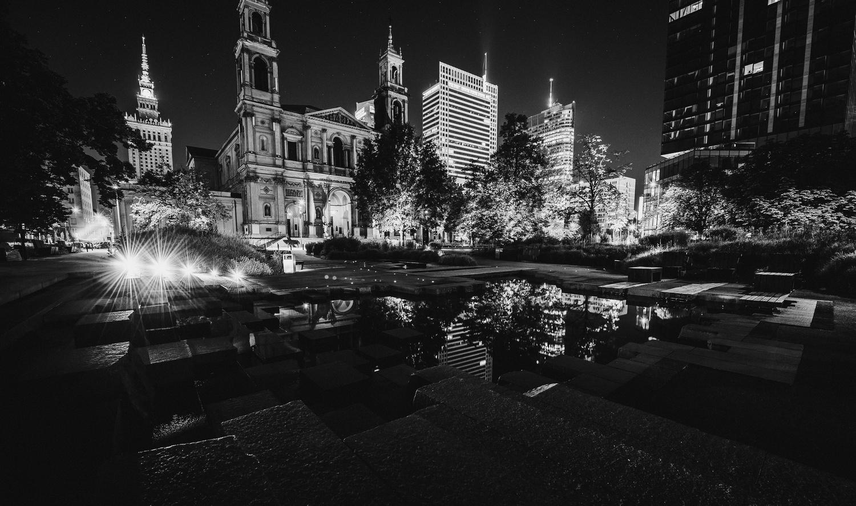 Night in Warsaw by Mykola Huzenko
