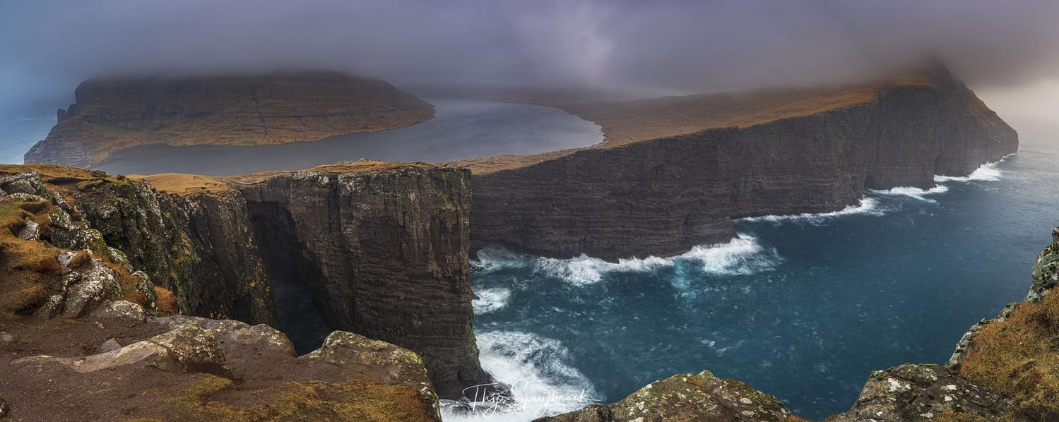 Sørvágsvatn, Faroe Islands by Thijs Spuijbroek