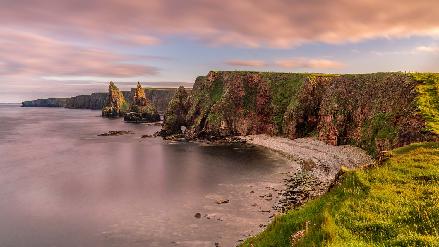 Duncansby Head by Thijs Spuijbroek