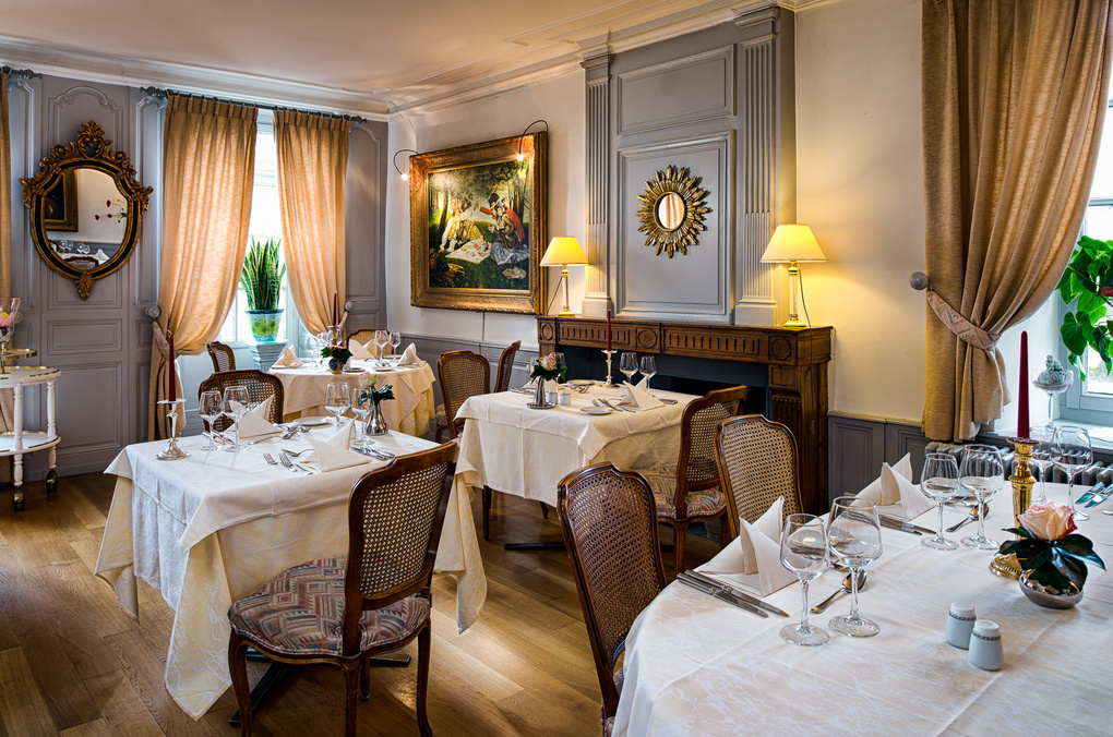 Restaurant by Olivier Gisiger