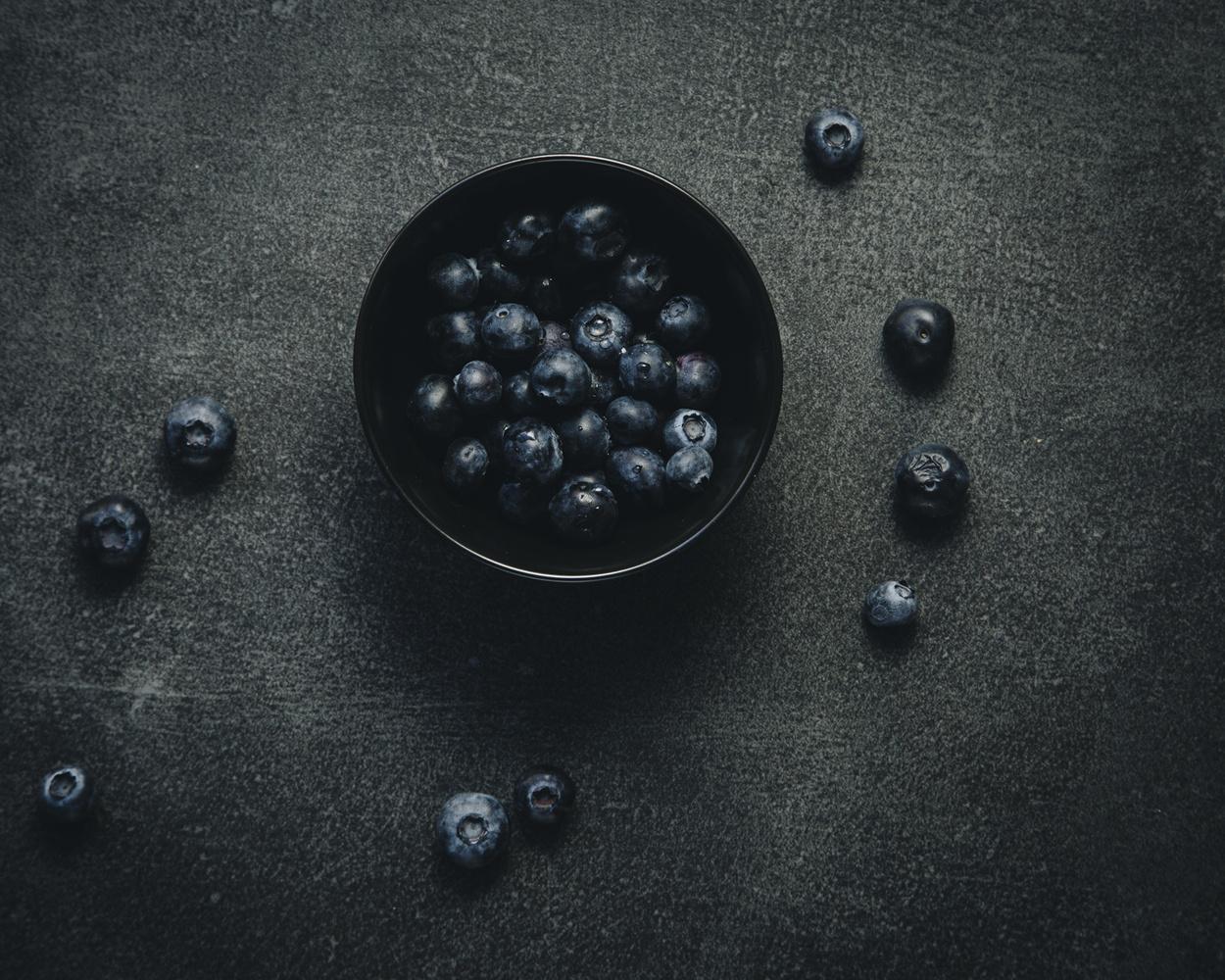 Blackberries, 2018 by Sander van der Veen