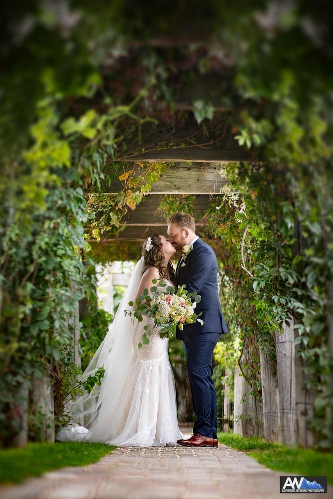 Sandstone Winery - Idaho Wedding by Austin Williams