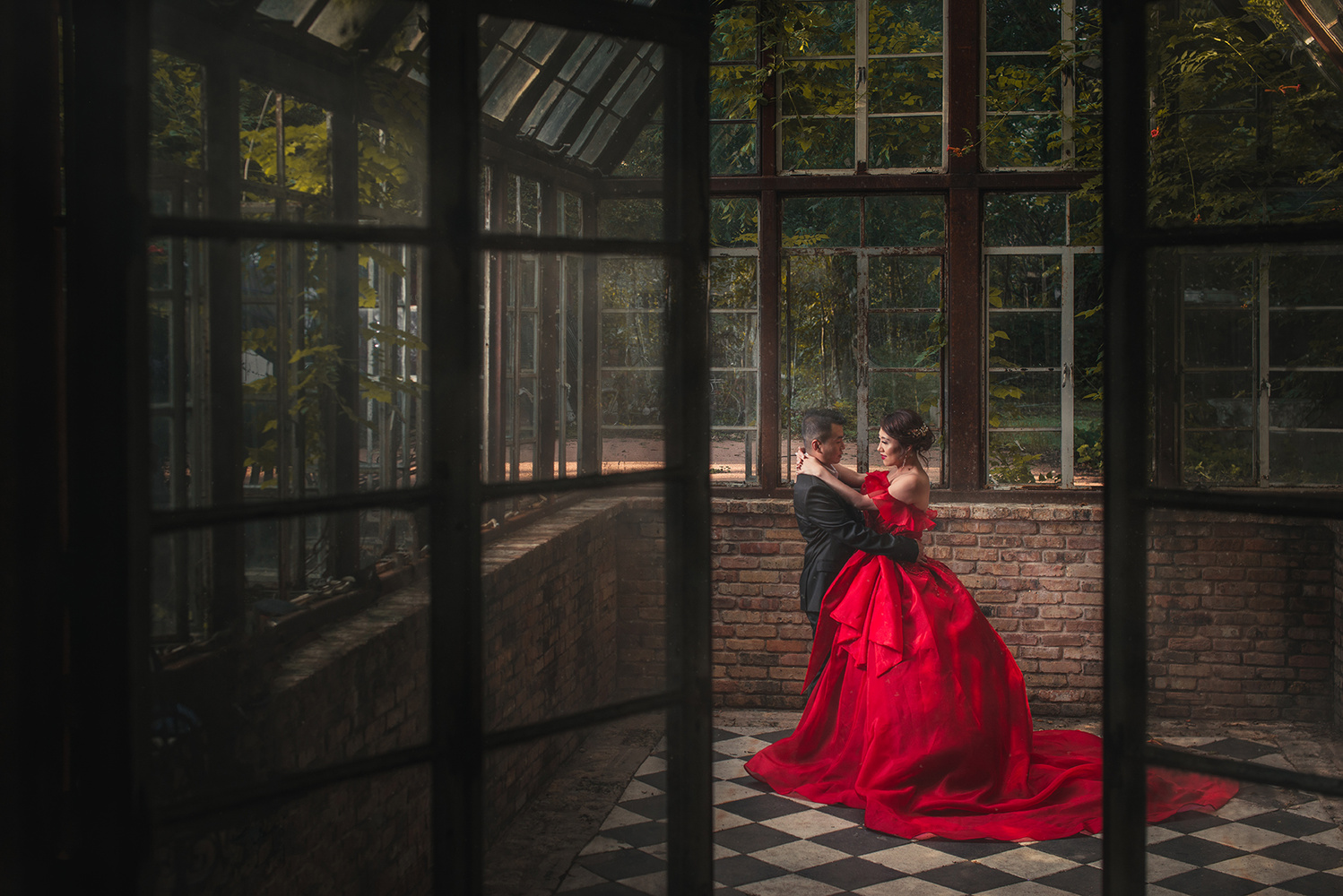 Dancing Couple by Andrew Phan