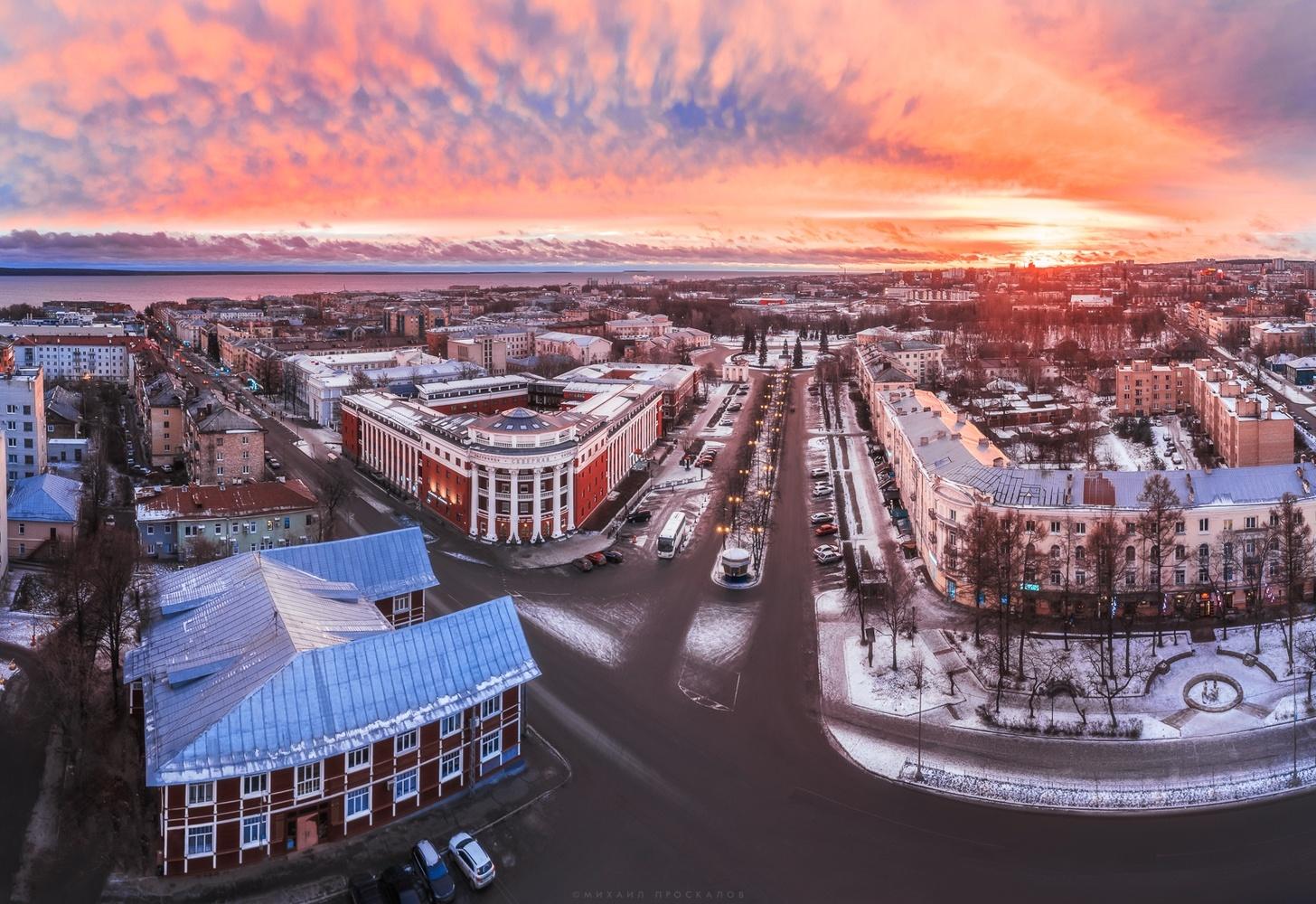 Sunrise over Petrozavodsk by Mikhail Proskalov