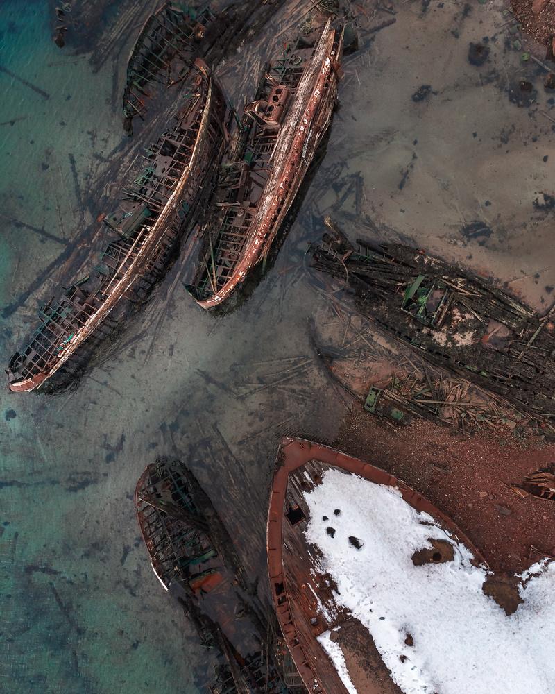 Abounded ships by Mikhail Proskalov