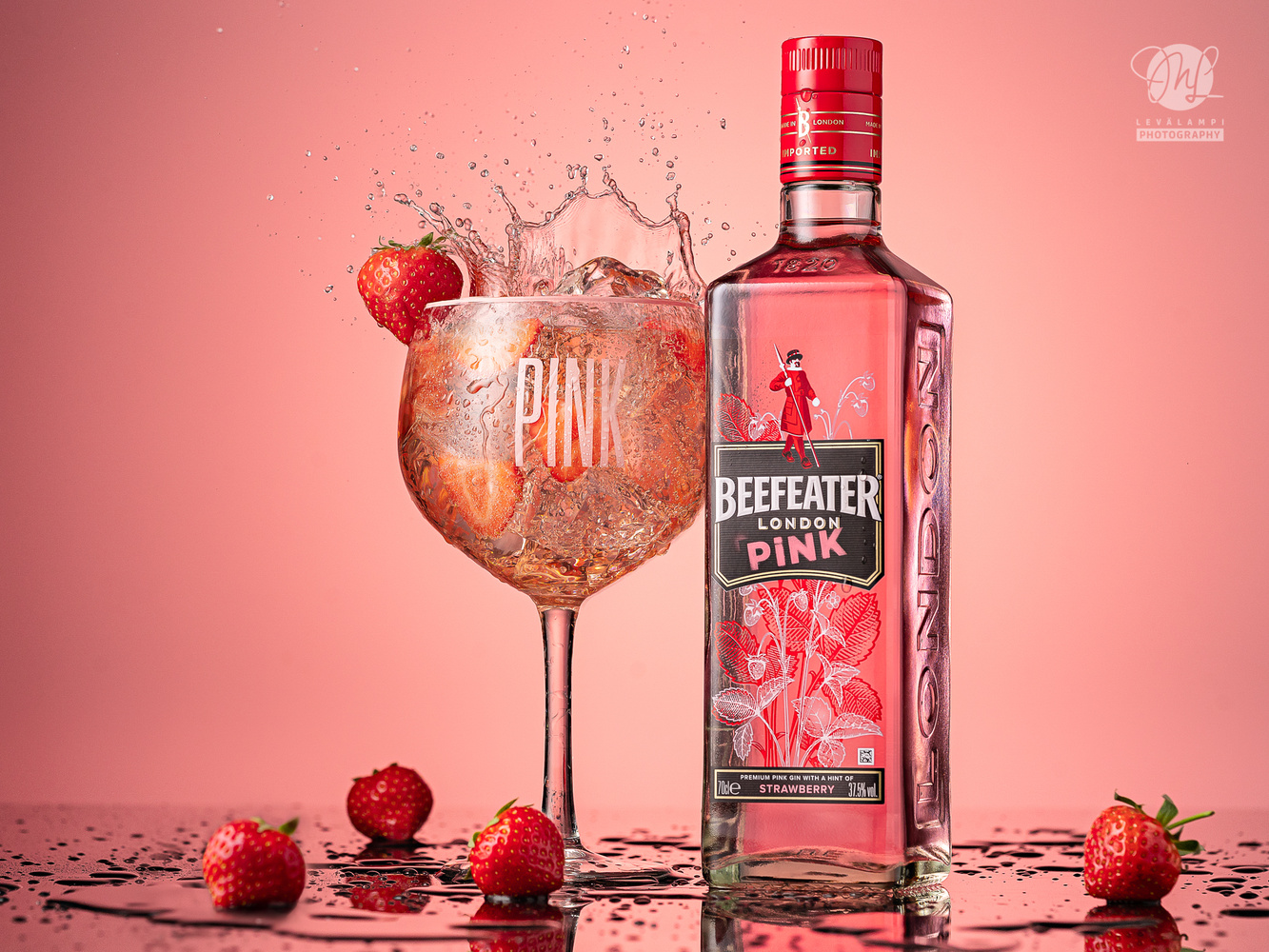 Beefeater Pink splash! by Mika Levälampi