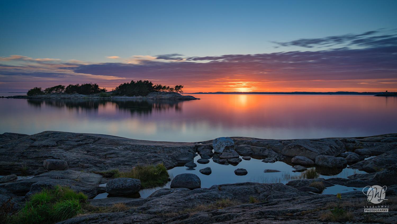 Sunset at Porkkalanniemi by Mika Levälampi