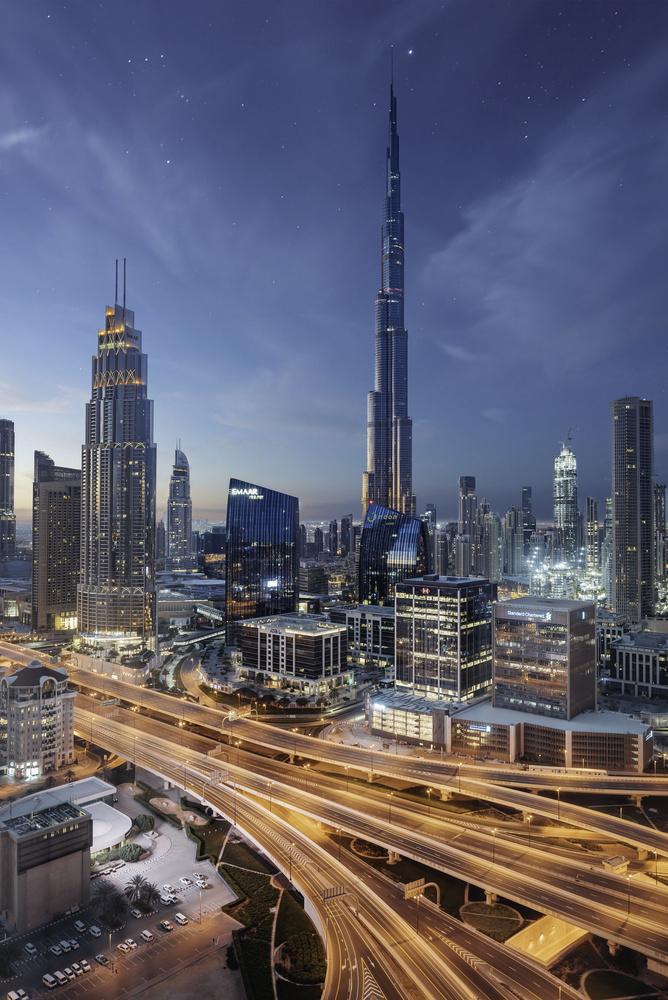 Sunrise in Dubai by Maciek Platek