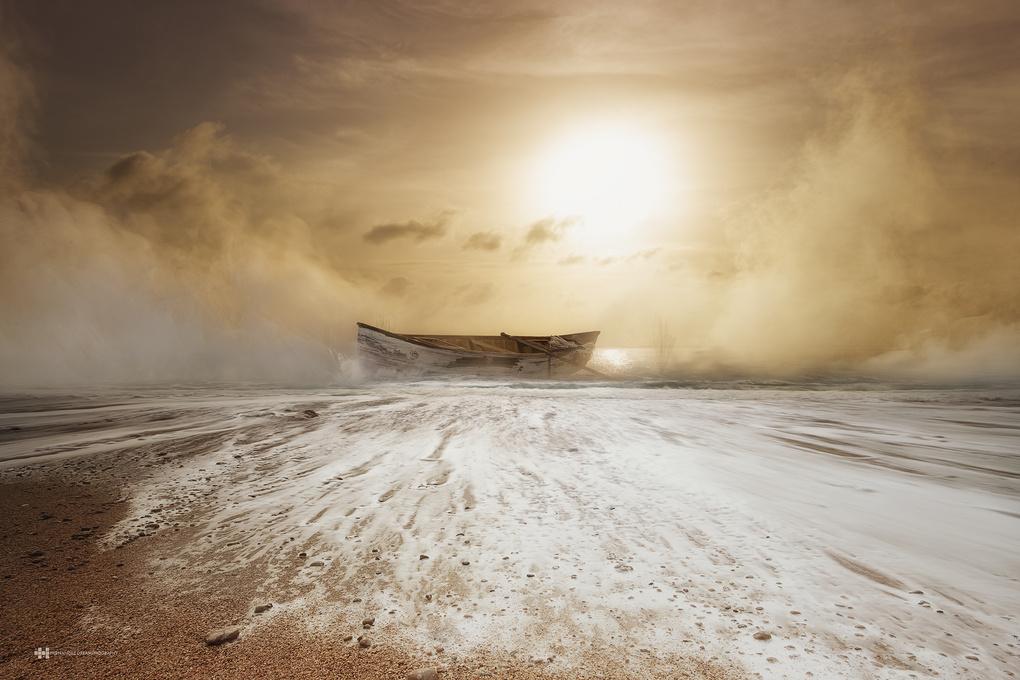 Shipwreck by Felix Hernandez