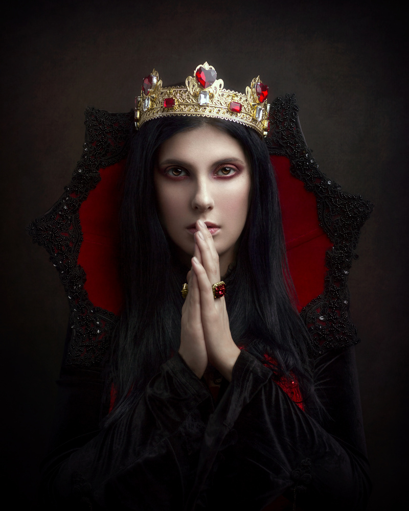 The Queen of Hearts - Albedo by Giulia Valente