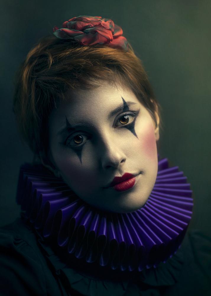 La Poupée Solitaire by Giulia Valente