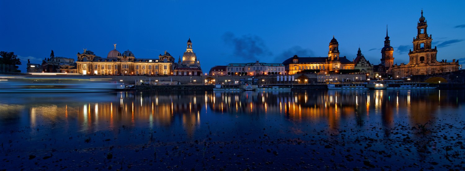 Dresden by Jan Grau