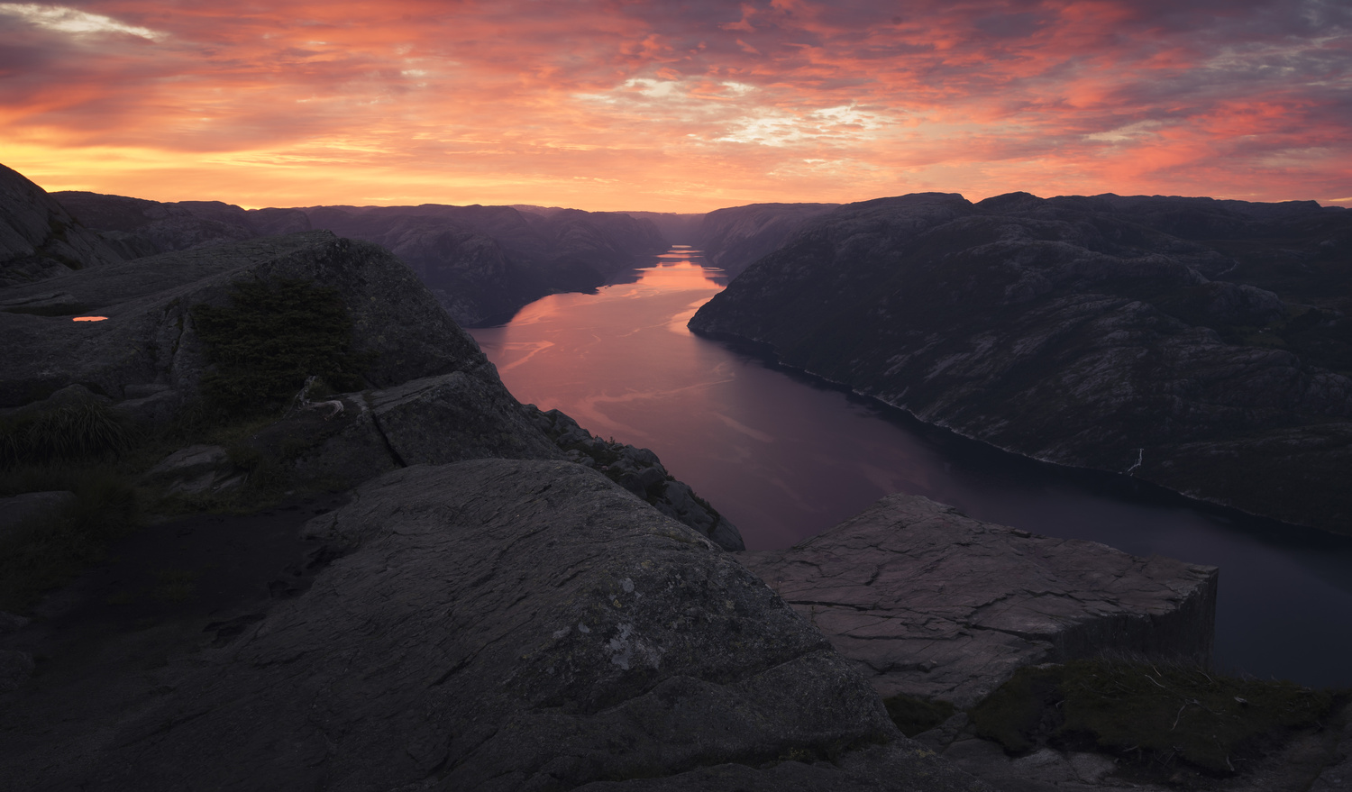 Pulpit Rock sunrise by Tom-Are Svenning