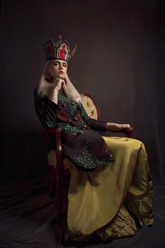 Cirque de la Reine  by Silvers & Bynes