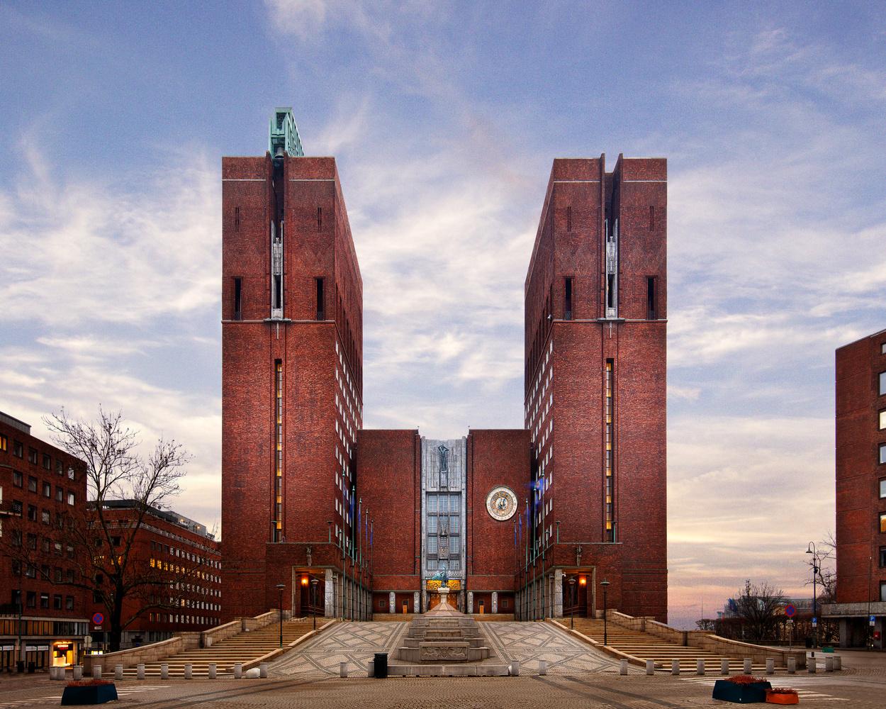 Oslo City Hall by Miguel Santos Novoa