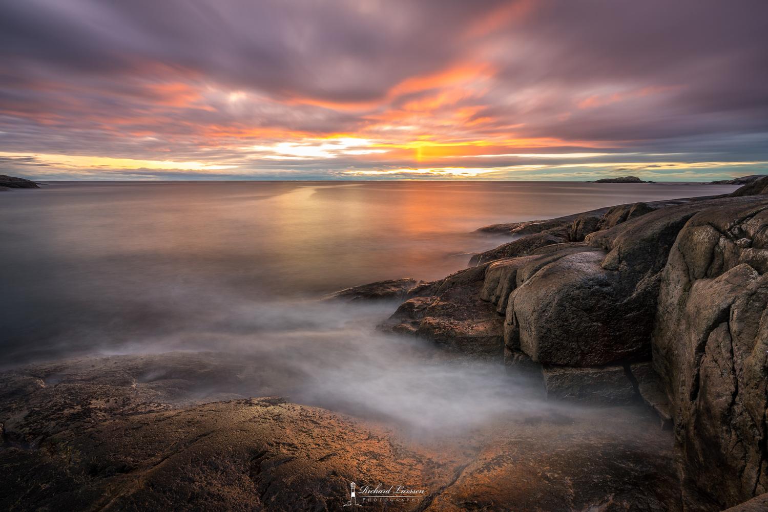 Sunset at the coast by Richard Larssen