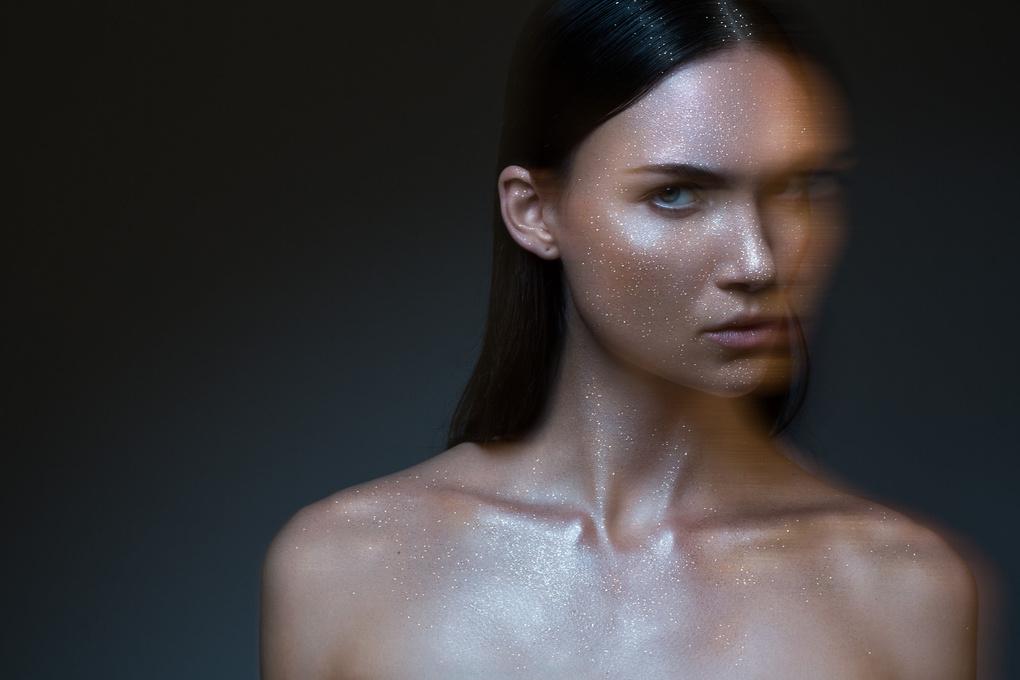 Skin fetish by Pierre Turtaut