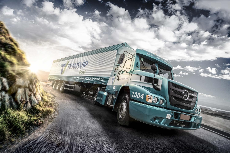 Transvip Truck by MAURICIO DE OLIVEIRA