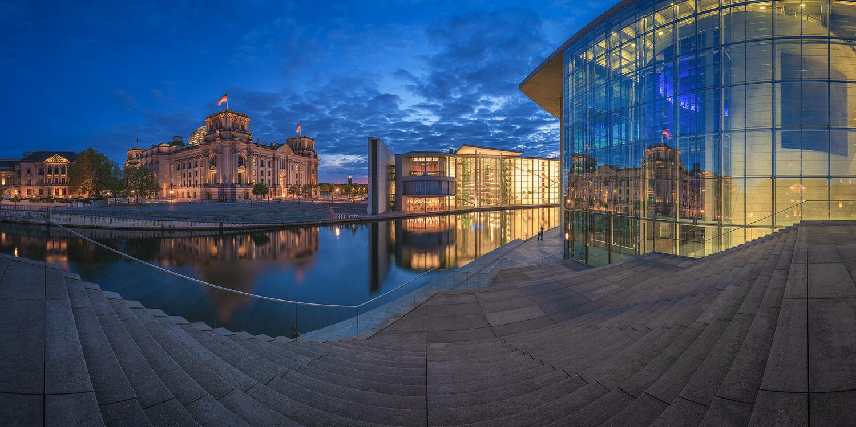 Berlin - Regierungsviertel Panorama by Jean Claude Castor