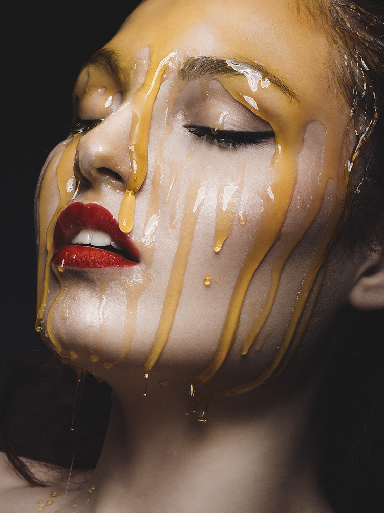 Honey by Rebeca Saray