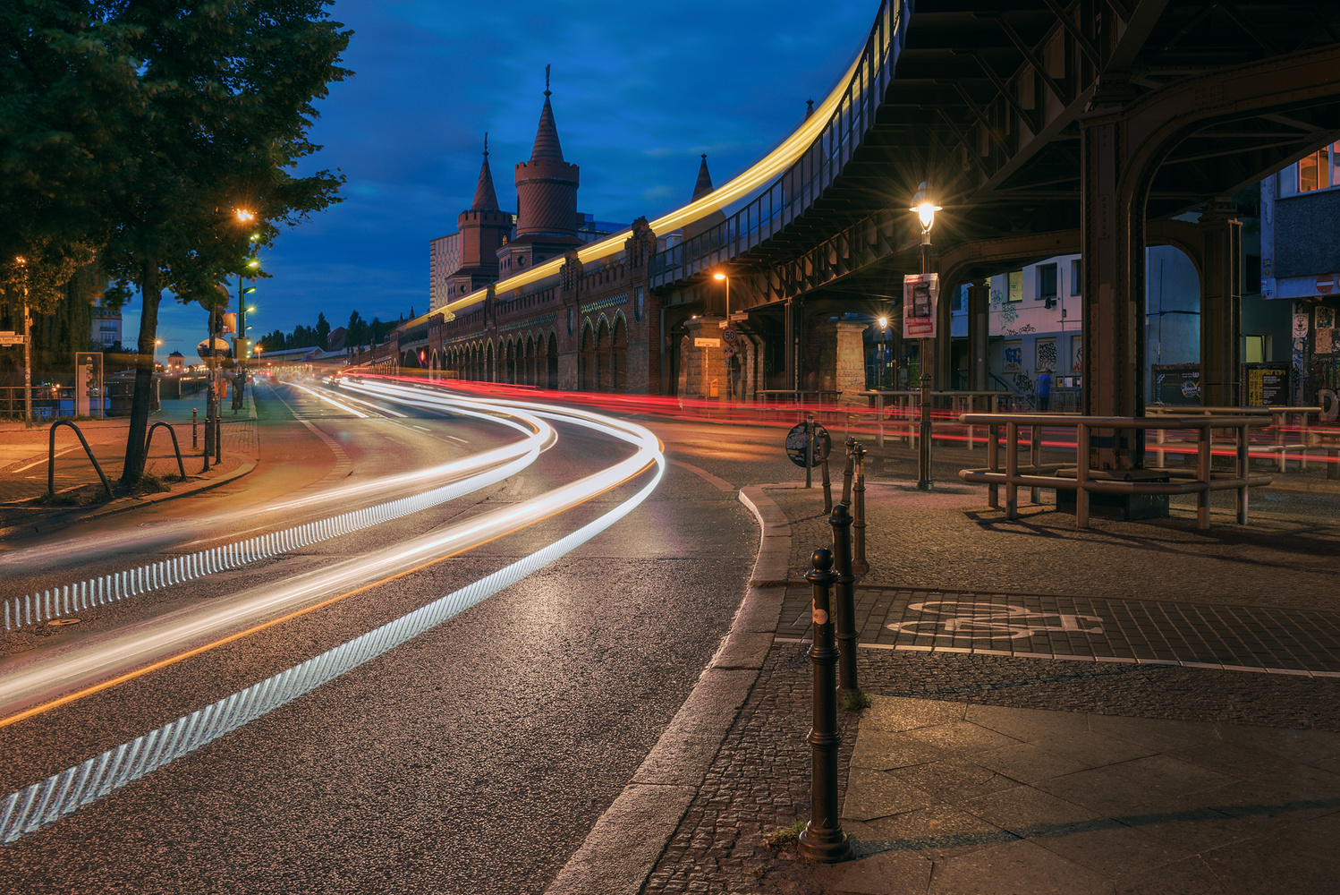 Traffic Hour by Bruce Girault