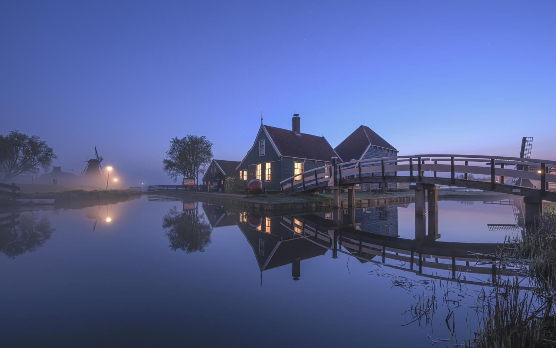 Blue hour at Zaanse Schans by Bruce Girault