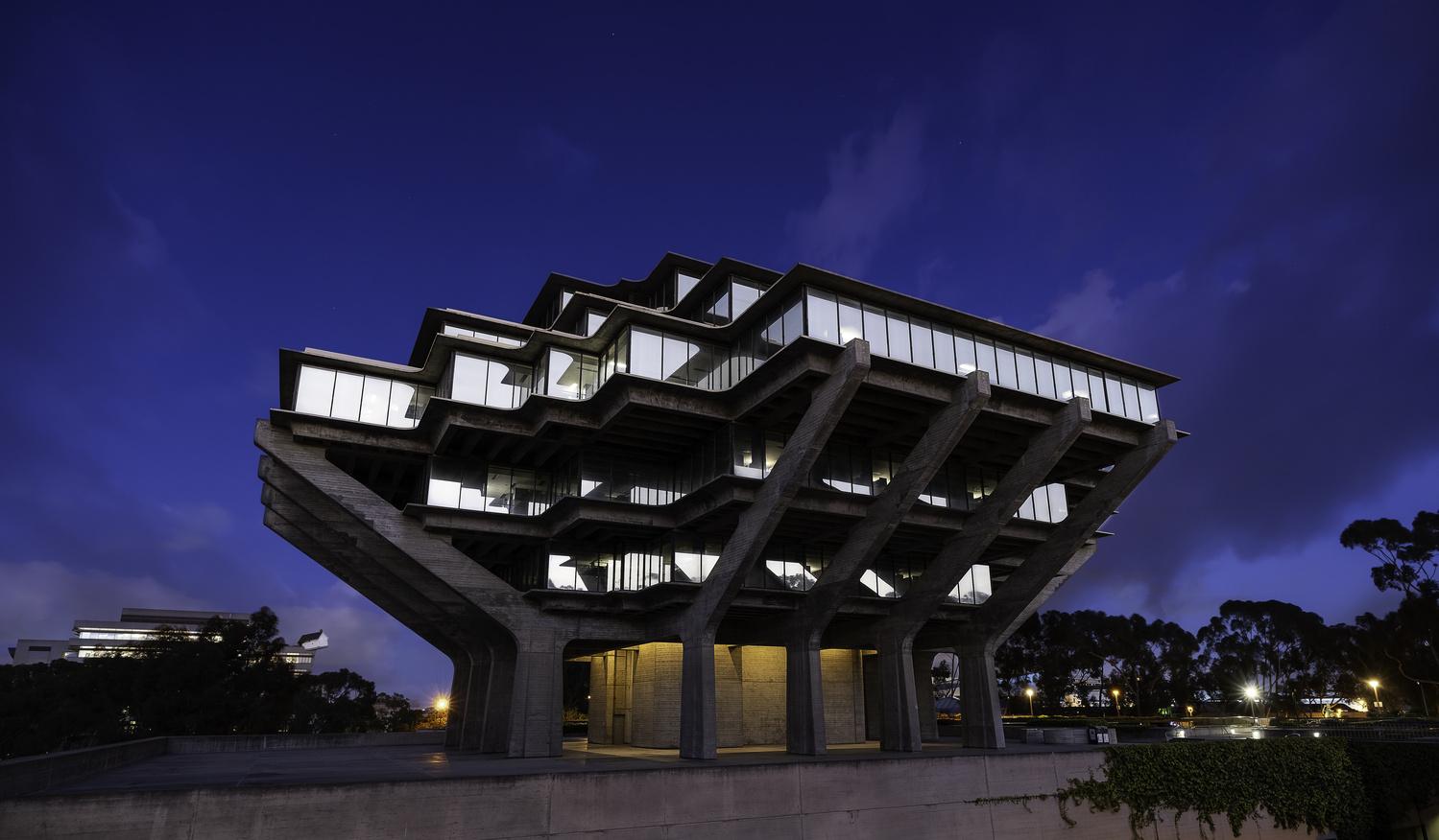 Geissel Library by Steve Batiz