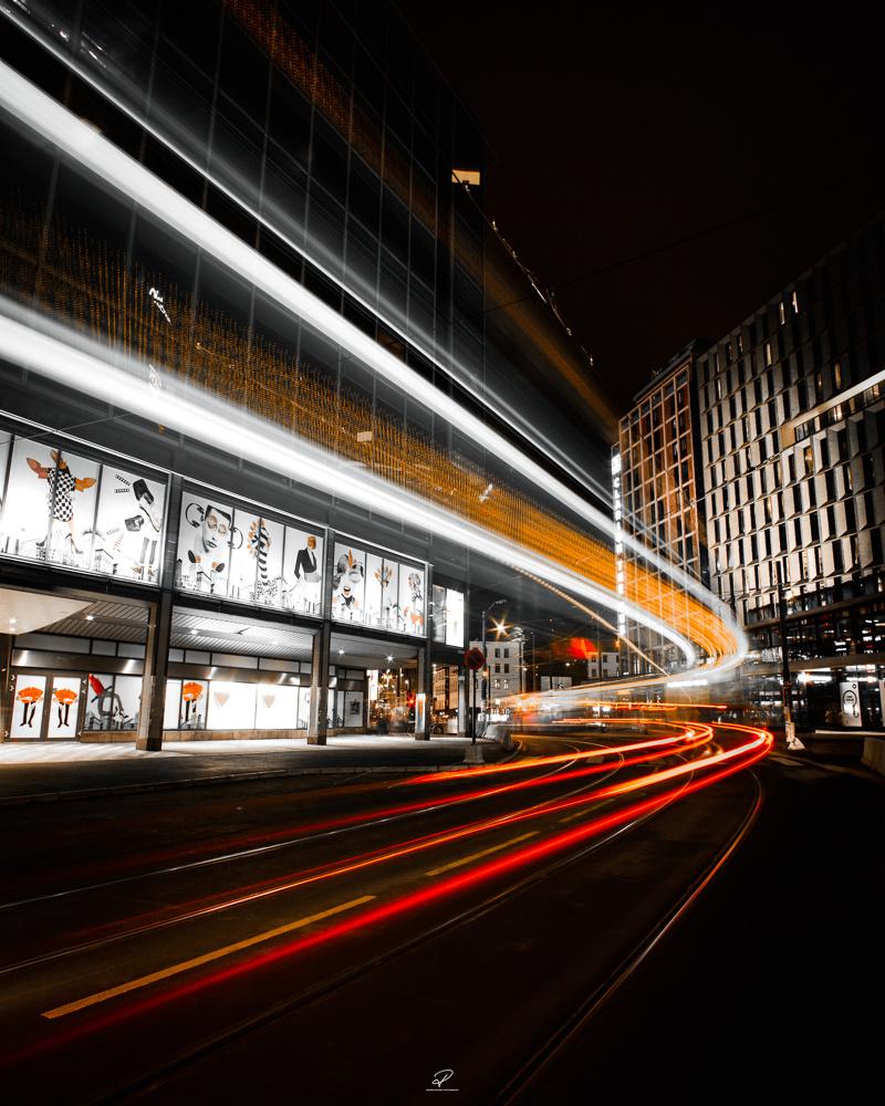 Speed of light I by Roger Hølmen
