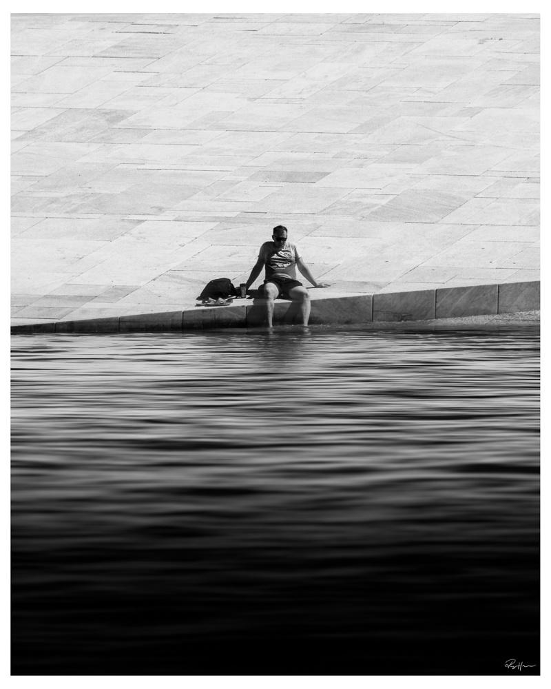Summer in the city by Roger Hølmen