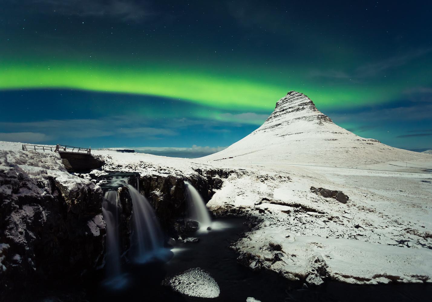Kirkjufell Aurora by Jeroen Van Nieuwenhove