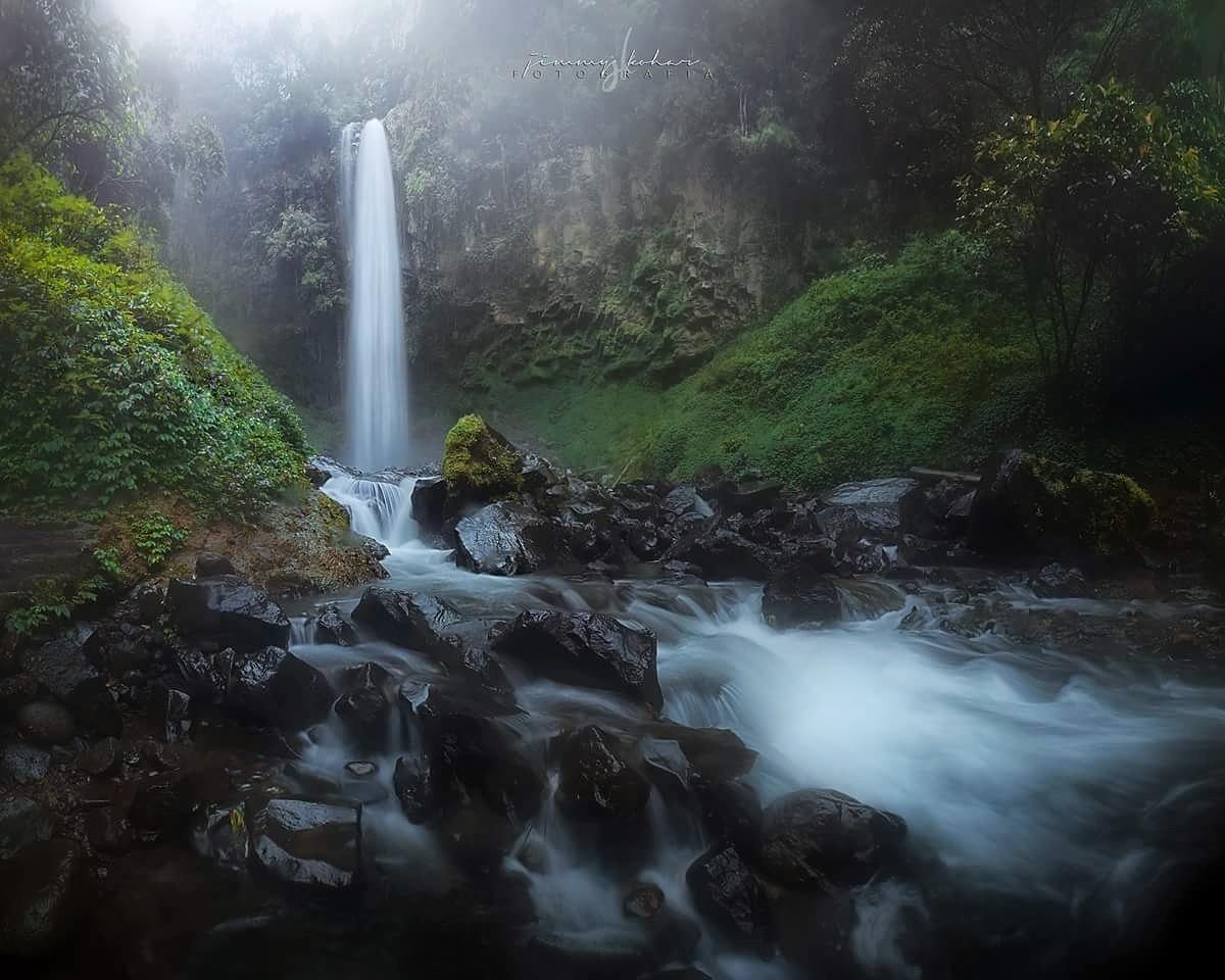 Grojokan Sewu by Jimmy Kohar