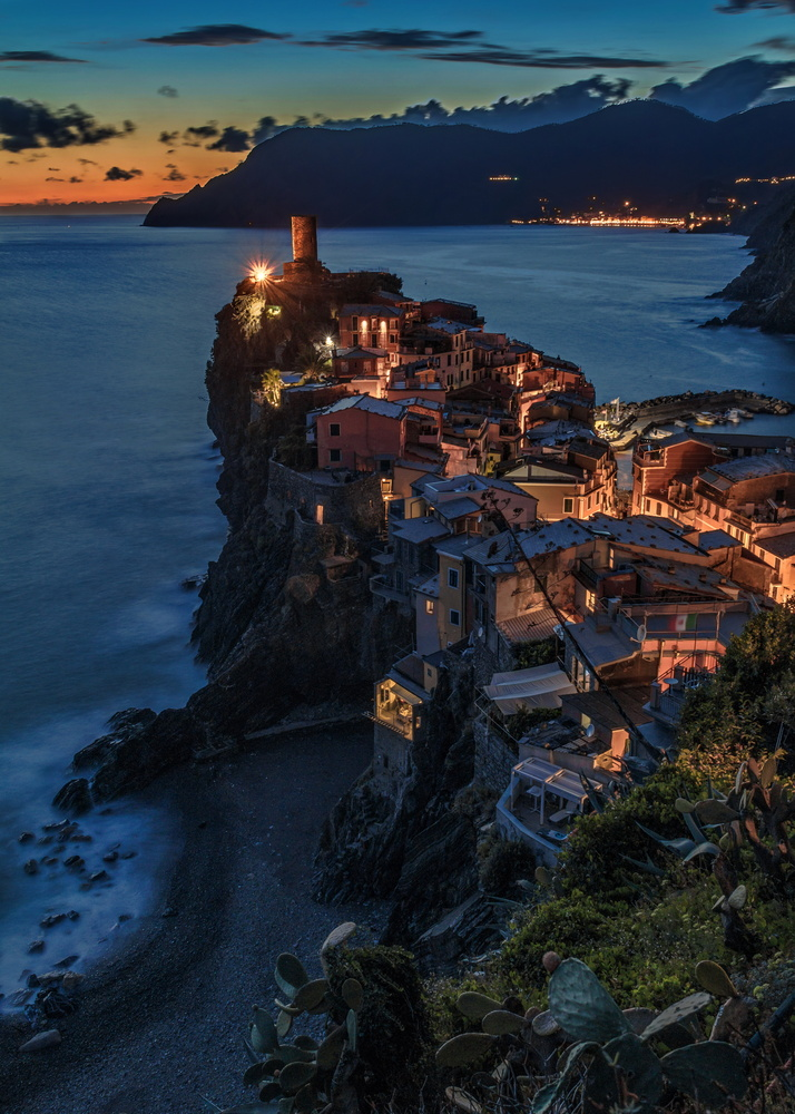 Vernazza Blue by Jimmy Kohar