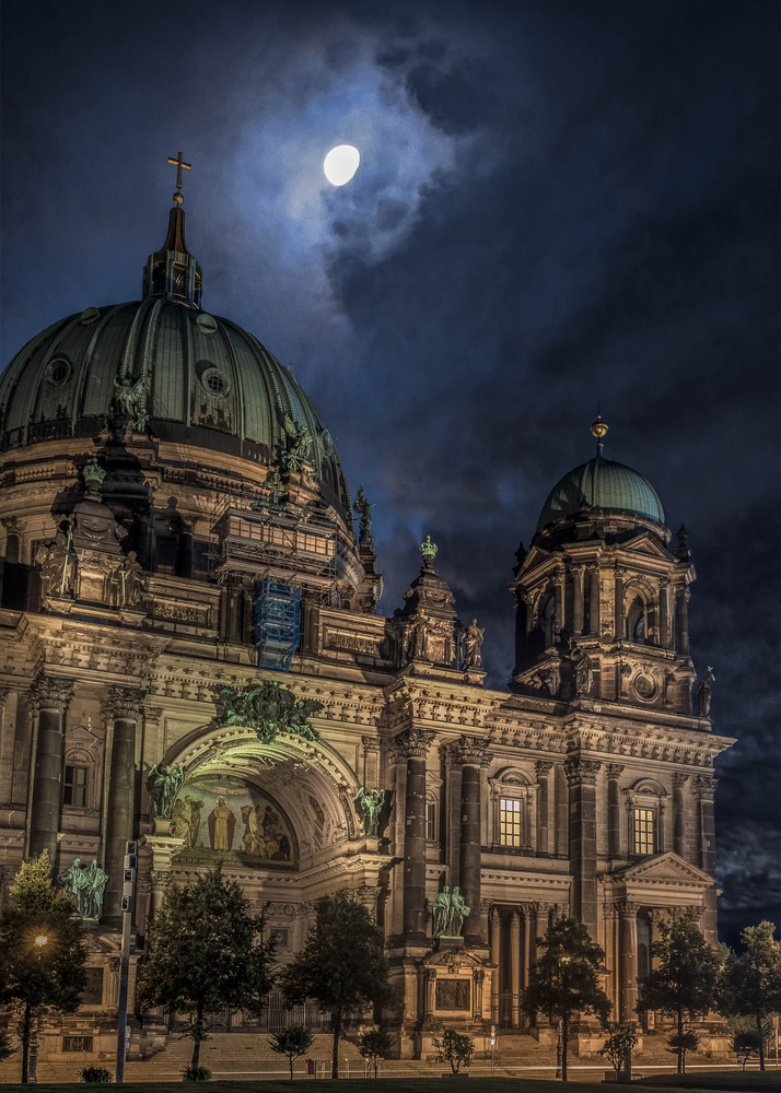 Moonlight over the Dom by Jimmy Kohar