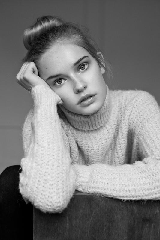 Emma Delury by Luis Quezada
