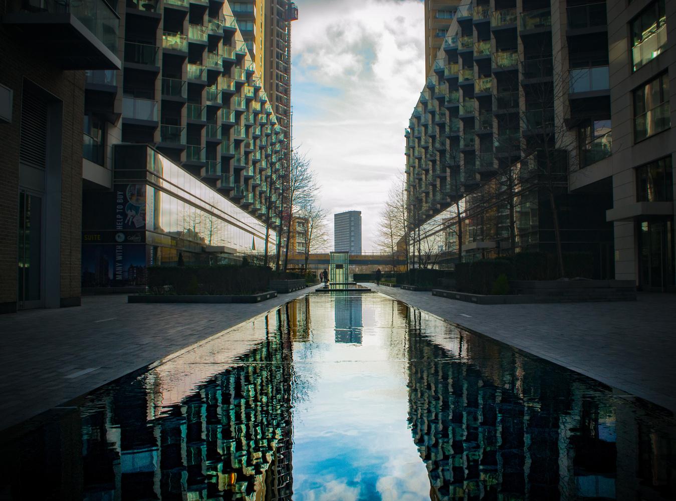 Canary Wharf #5 by Tom Juggins