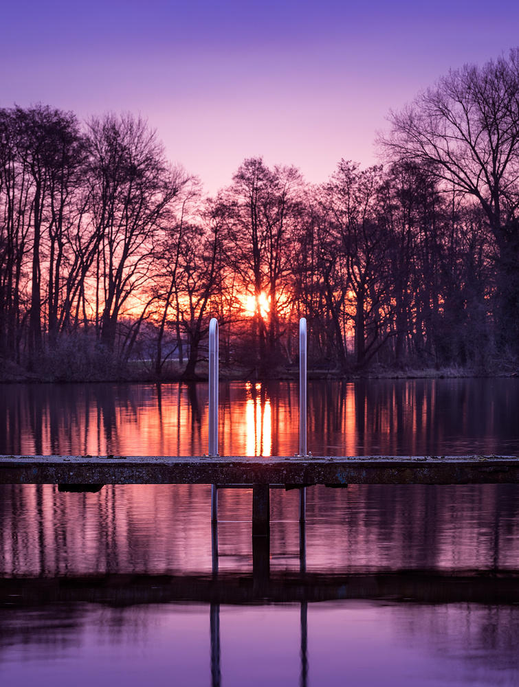 sunrise at the lake by Axel Jusseit