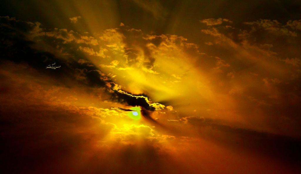 Untitled sunset by Hasan Abdulshakour