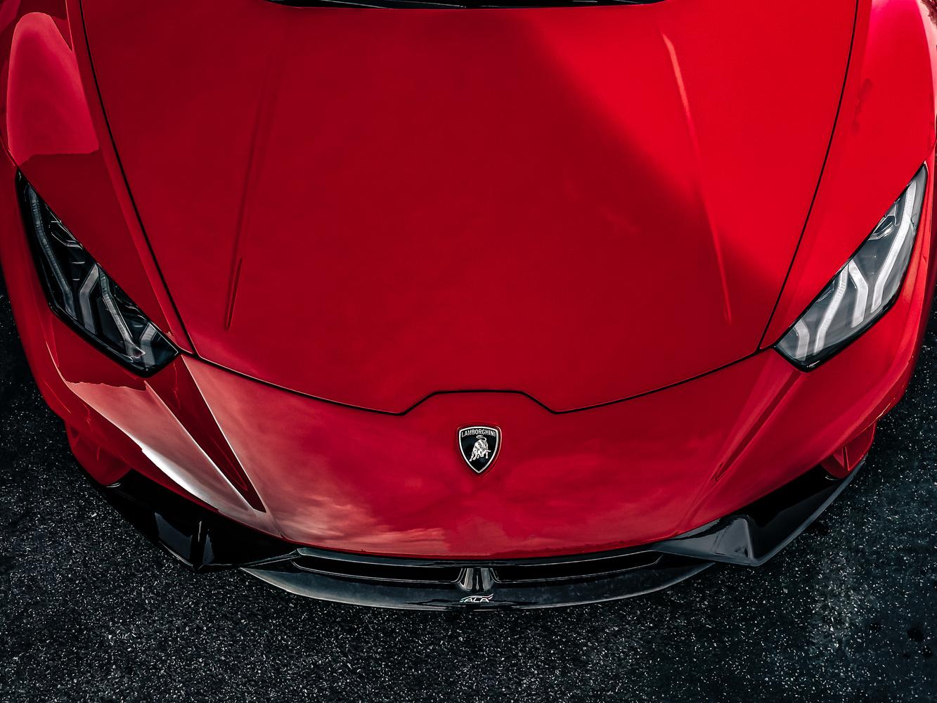 Lamborghini Huracan Performante by Travis Pinney