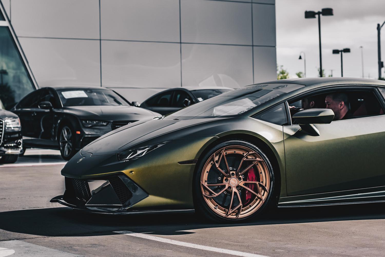 Lamborghini Huracan by Travis Pinney