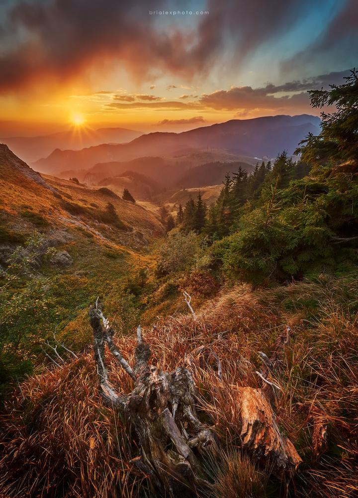 Sunrise over Ciucas by Brighilă Alex