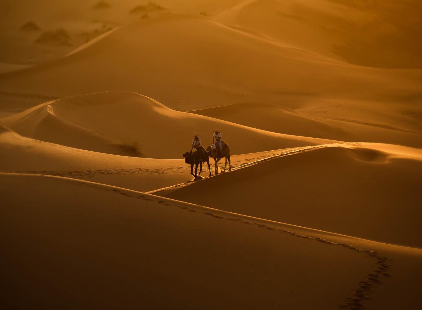Sunset shot in Erg Chebi desert by Denis Yankin