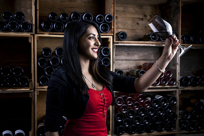 Wine woman by Glenn Mostert