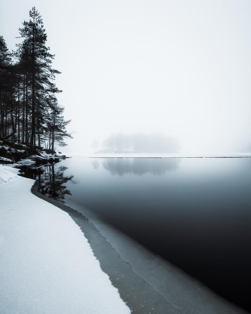 Foggy minimalism by Klaus Axelsen