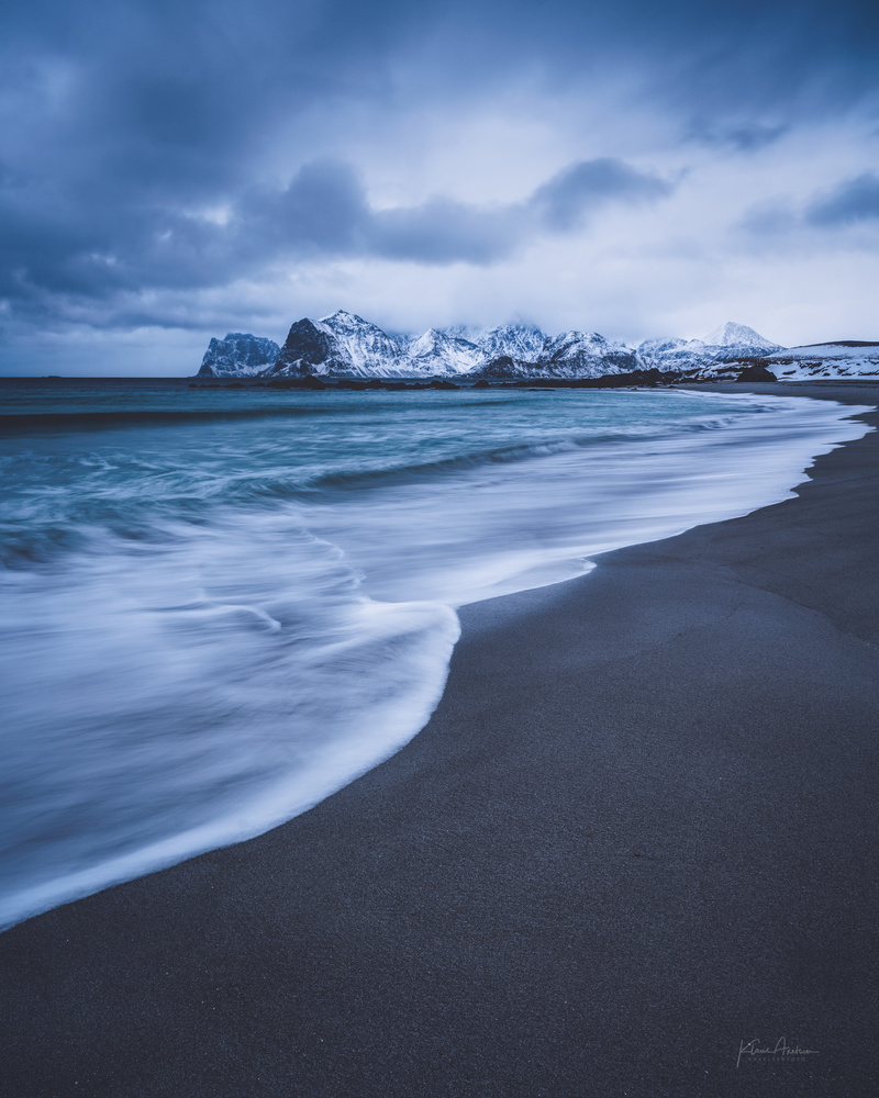 Shades of blue by Klaus Axelsen